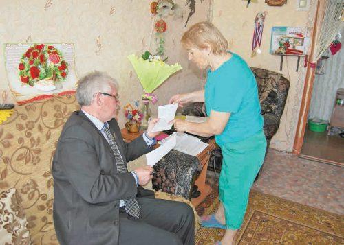 В гостях у Марии Яшновой депутат городской думы Габбас Даутов